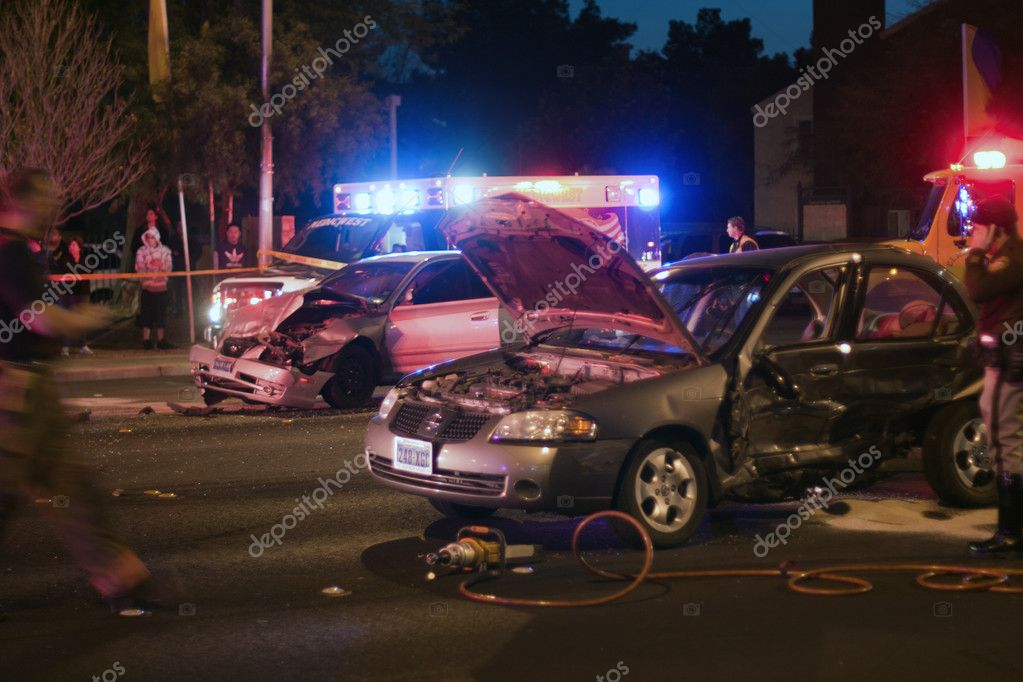 Las Vegas, NV, USA - FEBRUARY 28: Collision of 2 cars on Sahara road at 7pm, February 28 th, 2012 in Las Vegas, NV. — Stock Photo #9258474