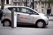Autolib electric car Paris — Стоковое фото