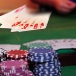 hráč pokeru vítězný royal flush — Stock fotografie