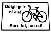Irlandés quema grasa no aceite letrero en blanco — Foto de Stock