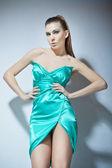 Mode türkis kleidung mädchen — Stockfoto