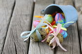 Easter quail eggs on wooden background — ストック写真