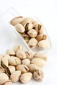 Scoop van geroosterde en gezouten pistaches — Stockfoto