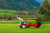 Tractor with a trailer — Stock Photo