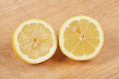 Citronová šťáva na dřevo — Stock fotografie