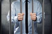 Człowiek w więzieniu — Zdjęcie stockowe