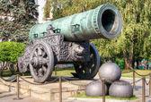 Het oude grootste kanon in kremlin van moskou — Stockfoto