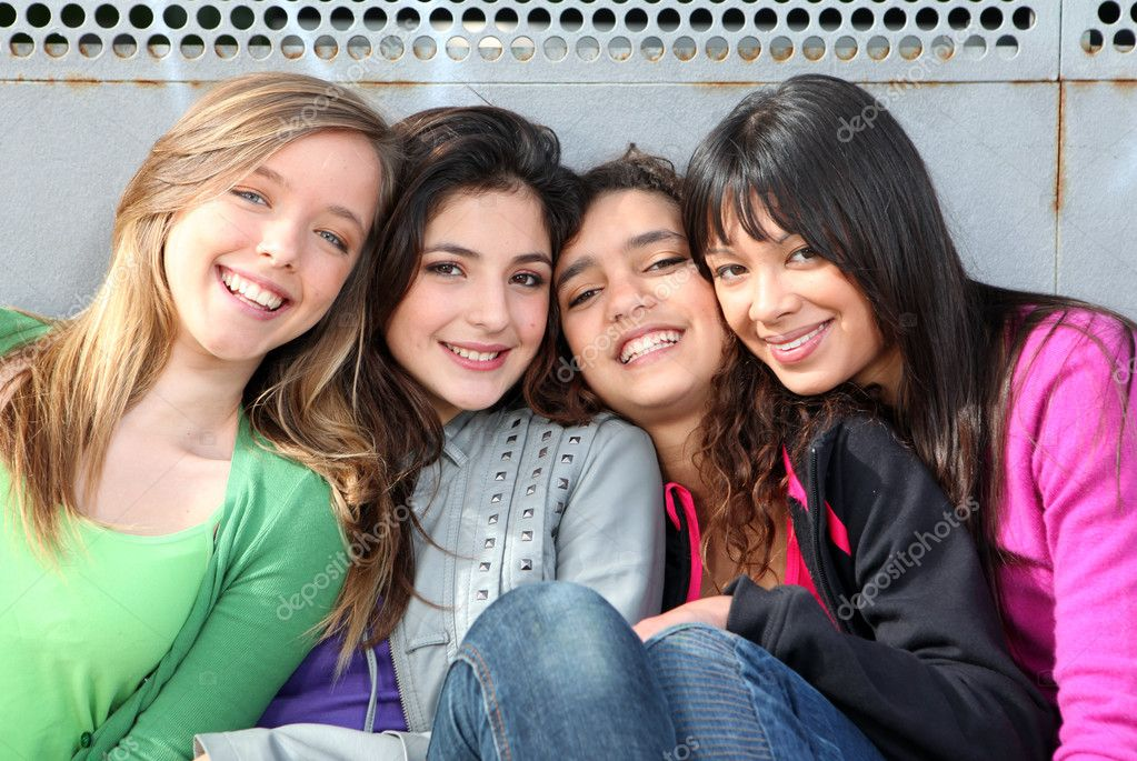 Mixed race group of smiling girls — Stock Photo #8022685
