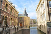 Binnenhof Palace in Den Haag, Netherlands. Dutch Parlament buil — Stock Photo