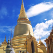 Golden Pagoda at Wat Phra Keao Temple in Grand Palace, Bangkok T — Stock Photo