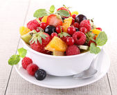 Fresh fruits salad — Stock fotografie