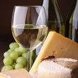 Cheese and wine — Stock Photo #8669730