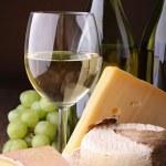Cheese and wine — Stock Photo #8669730