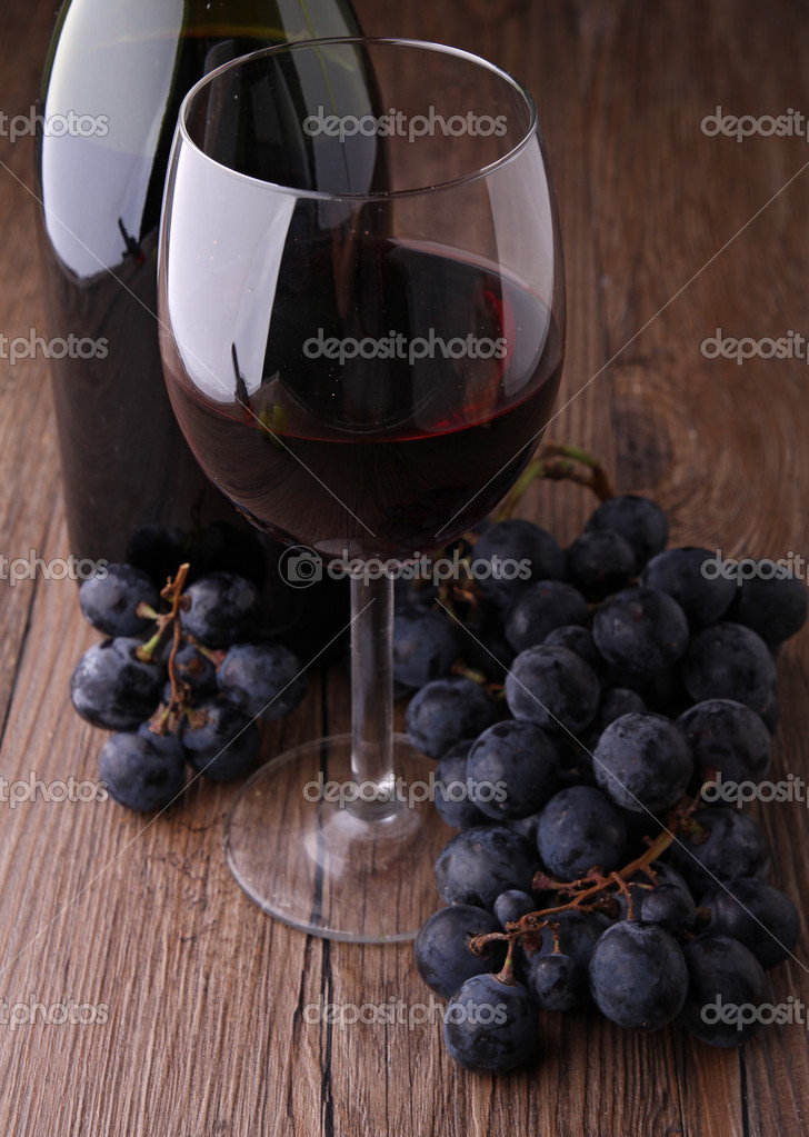 Red wine — Stock Photo #8670247