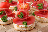 Canapes,buffet food — 图库照片