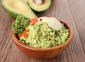 Bowl of guacamole — Stock Photo