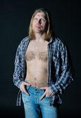 Man in het open shirt — Stockfoto
