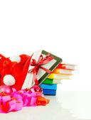 与堆栈的书袋中的电子书阅读器 — 图库照片