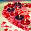 Горение свечи в форме сердца — Стоковое фото