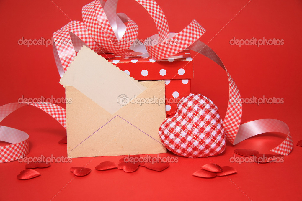 Love envelope, gift, heart — Stock Photo #8569183