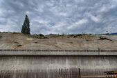 Concrete wall collapse — Stock Photo