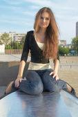 Joven mujer hermosa — Foto de Stock