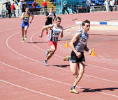 Boys on the 400 meters race — Stock Photo