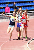 Girls on the start of the 800 meters race — Stock Photo