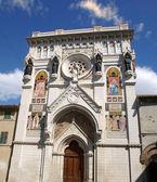 天主教教会的 pollenza 市,意大利. — 图库照片