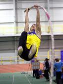 Korchmid Oleksandr wins pole vault event — Stock Photo
