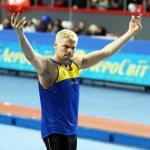 DONETSK, UKRAINE - FEB.11: Denys Yurchenko on the Samsung Pole Vault Stars meeting on February 11, 2012 in Donetsk, Ukraine. He won bronze medal in the pole vault event at Summer Olympics in Beijing. — Stock Photo