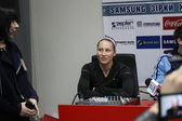 Ptacnikova Jirina on the press conference — Stock Photo
