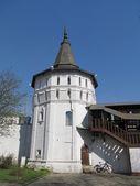 Rusland, moskou. st. daniel klooster. de toren van het klooster. — Stockfoto