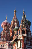 Cupolas of Pokrovskiy of cathedral (St. Basil's cathedral). — 图库照片