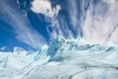 Scalatori salire sul ghiacciaio in patagonia. — Foto Stock