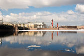 Drifting ice on the Neva. Arrow of Vasilevsky Island. St. Peters — Stock Photo