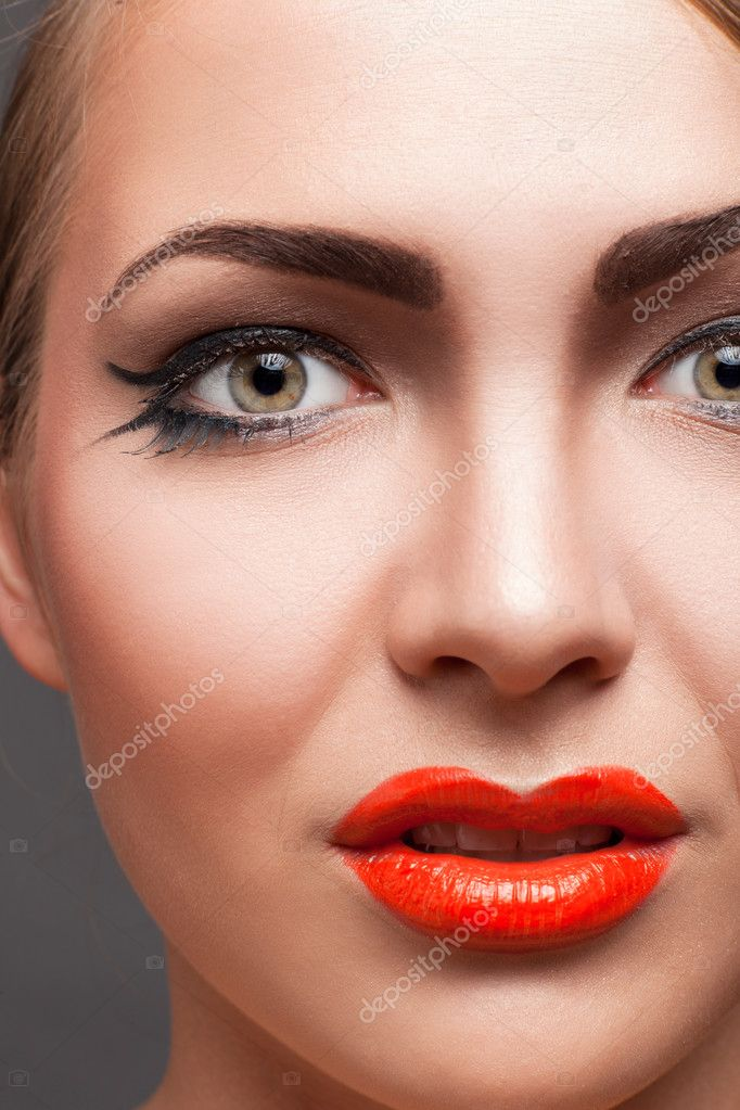 Close-up portrait of blond woman with make-up — Stock Photo #9910065