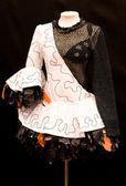 черный и белый оригинальное платье моды — Стоковое фото