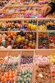 Objetos decorativos para hacer pulseras y collares — Foto de Stock