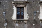Una ventana barroca — Foto de Stock