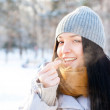 Portrait of young beautiful girl having fun outdoors in winter f — Foto de Stock