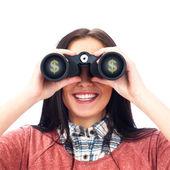 白で隔離される双眼鏡を通して探している女性 — ストック写真