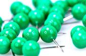 緑のプッシュピン — ストック写真