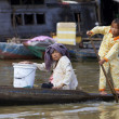 Foto Stock: CambodiFamily on Tonle Sap Lake