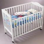 Babys cot — Stock Photo #8838150