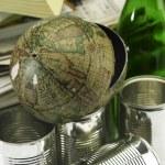 ������, ������: Broken globe on the recyeable item
