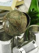 Сломанный глобус по пункту recyeable — Стоковое фото