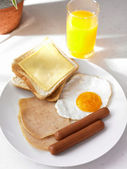 Breakfast ready to eat on the table — Stock Photo