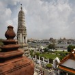 Thailand, Bangkok, panoramic view of the Chao Praya river and the skyline of the city seen from the Arun Temple — Zdjęcie stockowe