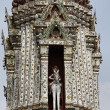 Thailand, Bangkok, Yai District, Arun Temple (Wat Arun Ratchawararam), roof ornaments - Stockfoto